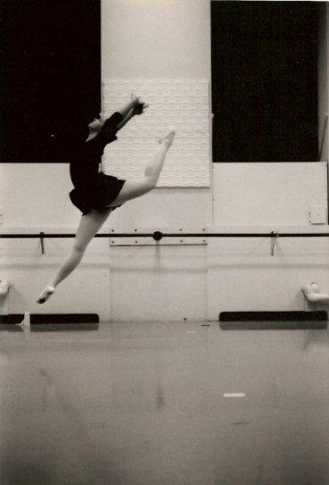 Lauren Warnecke Ballet jump
